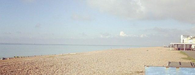 Beach House is one of Tempat yang Disukai Hatice.