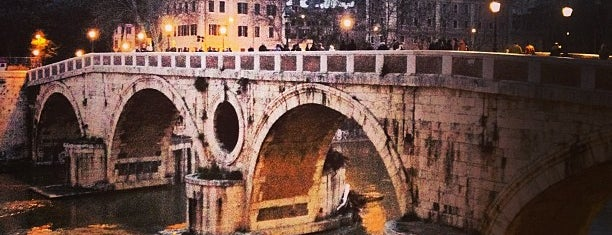 Ponte Sisto is one of Lieux qui ont plu à Mauro.