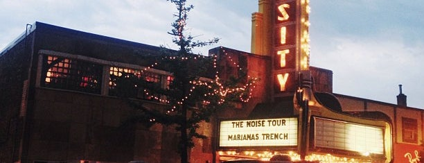 Varsity Theater & Cafe des Artistes is one of The Great Twin Cities To-Do List.