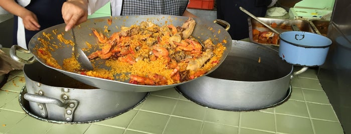 Paella Valenciana is one of Posti salvati di Daniel.