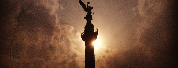 Monumento a la Independencia is one of THINGS TO CHECK OUT IN MEXICO CITY.