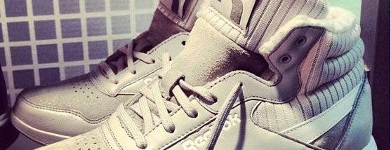 Adidas-Reebok Discount is one of สถานที่ที่ Даниэль ถูกใจ.