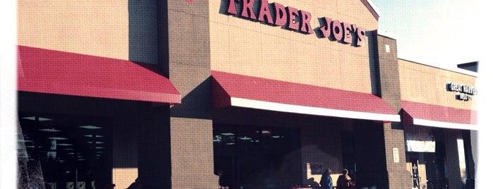 Trader Joe's is one of Orte, die Corinne gefallen.