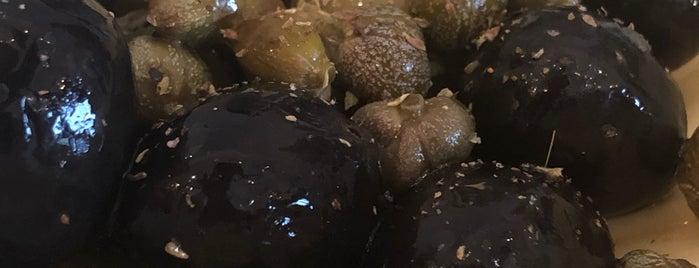Heritage Croatian Food is one of สถานที่ที่ Anastasia ถูกใจ.