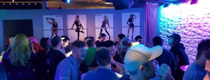 Club VOLT is one of Lieux qui ont plu à Justin Eats.