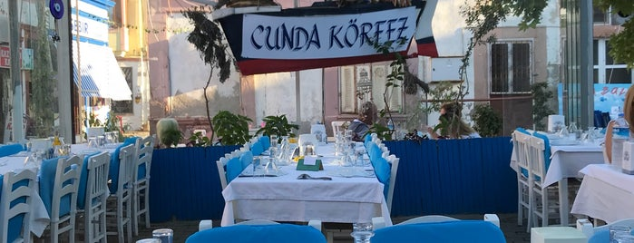 Cunda Körfez Restaurant is one of Aylin : понравившиеся места.