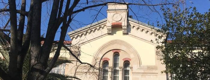 Fransız Kültür Merkezi is one of Lugares favoritos de Aylin.