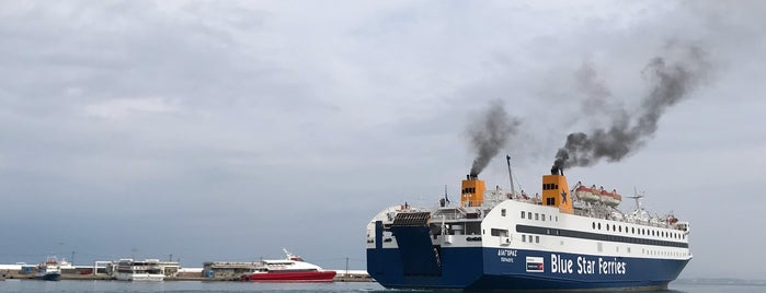 Port of Chios is one of Aylinさんのお気に入りスポット.