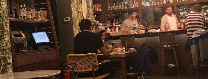 Pera Cafe is one of Tempat yang Disukai Aylin.