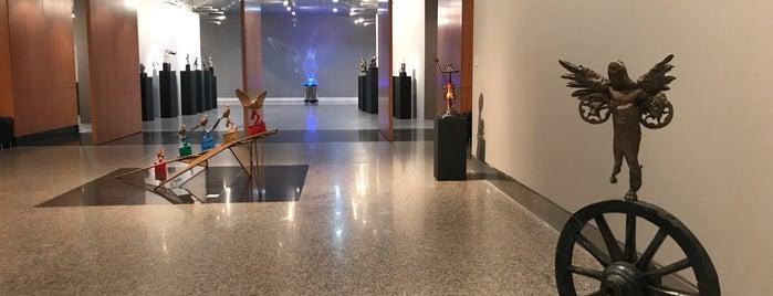 İş Sanat Kibele Galerisi is one of Posti che sono piaciuti a Aylin.