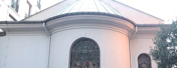 Chapelle is one of Lugares favoritos de Aylin.
