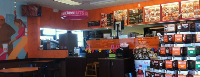 Dunkin' is one of Tempat yang Disukai Mike.