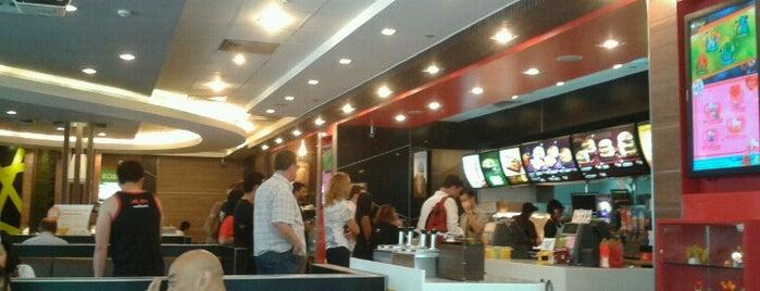 McDonald's & McCafé is one of 동현'ın Beğendiği Mekanlar.