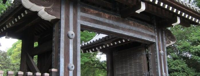 Hamagurigomon Gate is one of 西郷どんゆかりのスポット.