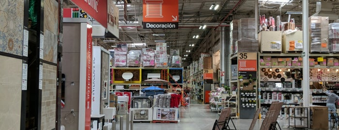 Home Depot is one of Ismaelさんのお気に入りスポット.