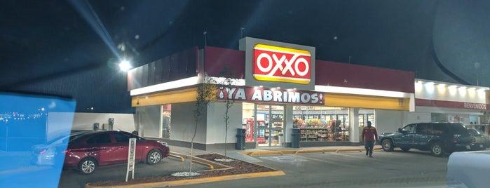 Oxxo Gas is one of Ivonne 님이 좋아한 장소.