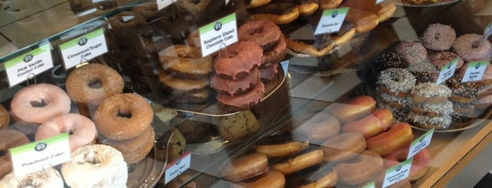 Top Pot Doughnuts is one of Seattle to do list.