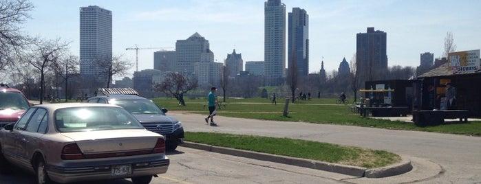 Milwaukee Bike & Skate Rental is one of LAXgirl'in Kaydettiği Mekanlar.