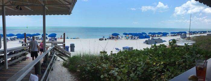 Sandbar Restaurant is one of สถานที่ที่ Andrew ถูกใจ.