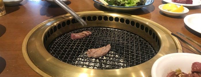 焼肉べこ六 王道 立川店 is one of 焼肉大好き.
