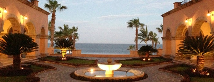 Sheraton Hacienda del Mar Golf & Spa Resort is one of Locais curtidos por Mil e Uma Viagens.