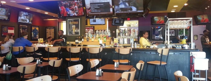 Buffalo Wild Wings is one of Lugares favoritos de Marc.