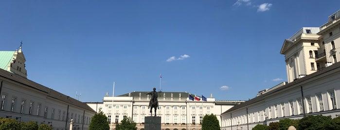 Palazzo Presidenziale is one of Posti che sono piaciuti a Mina.