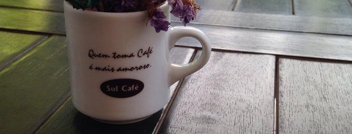 Divã Satine is one of Coffee & Tea.