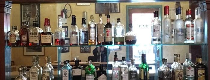 Café Roma is one of Dominic'in Beğendiği Mekanlar.