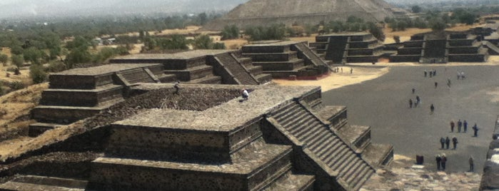 Zona Arqueológica de Teotihuacán is one of Ir no México.