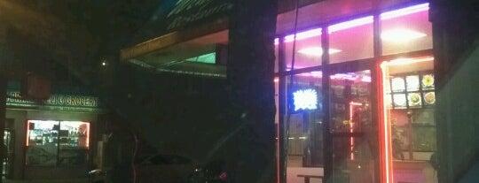 Wing Wah Kitchen is one of Orte, die Crystal gefallen.