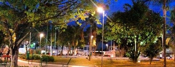 Avenida Presidente Kennedy is one of Locais curtidos por Vinicius.
