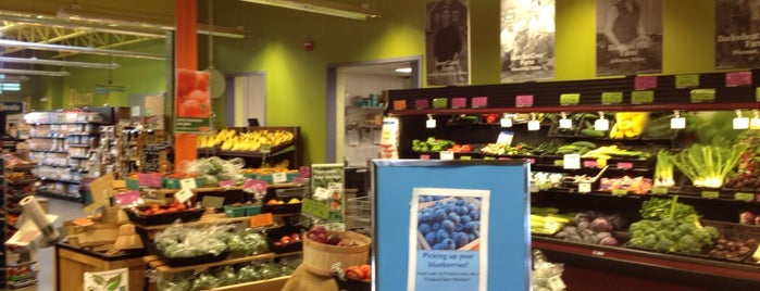 Rising Tide Community Market is one of Freaker USA Stores New England.