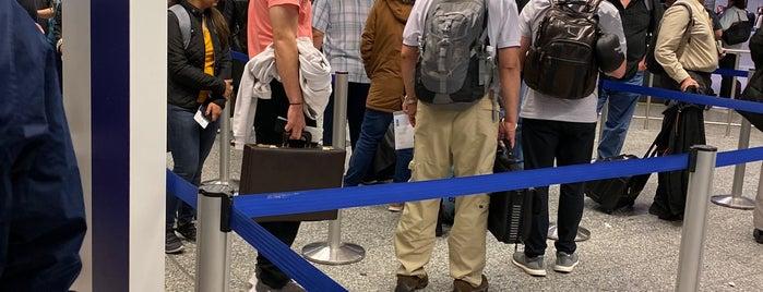 Passport Control (B) / Passkontrolle (B) is one of Locais curtidos por Tavo.