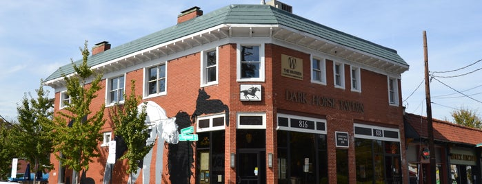 Dark Horse Tavern is one of Posti che sono piaciuti a Tim.