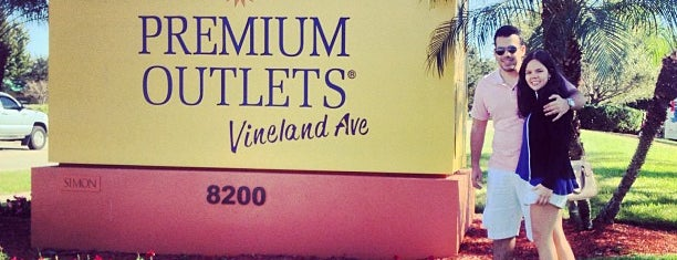 Orlando Vineland Premium Outlets is one of Posti che sono piaciuti a Aljon.