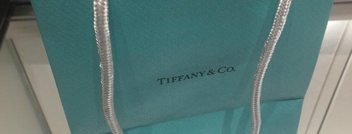 Tiffany & Co. is one of Tempat yang Disukai Matt.