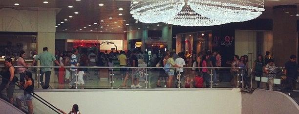 Bauru Shopping is one of Alexandre : понравившиеся места.