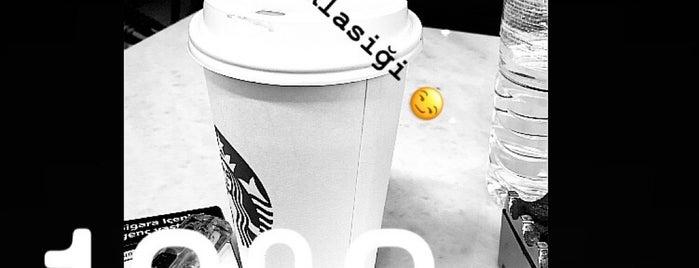 Starbucks is one of Locais curtidos por Can.