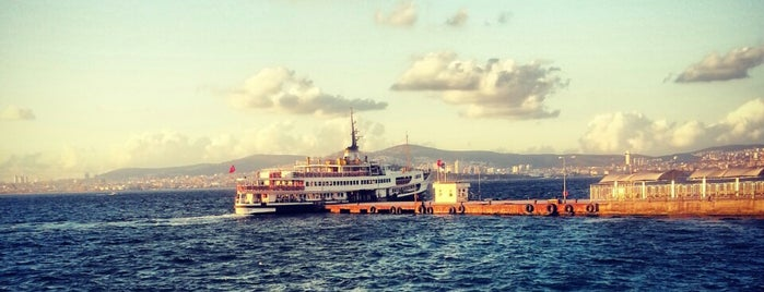 Bostancı Mavi Marmara Motor İskelesi is one of สถานที่ที่ Nagehan ถูกใจ.