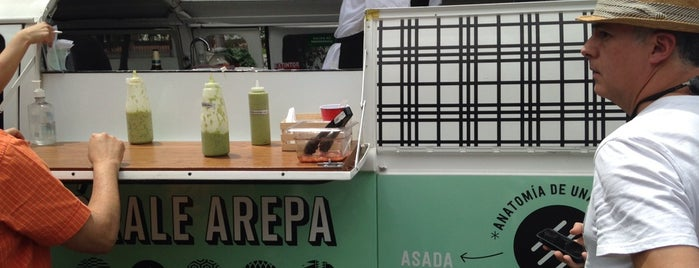 Feria de food trucks mesamerica 2014 is one of Lieux sauvegardés par Aline.
