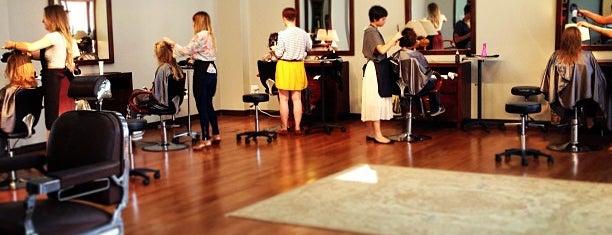 Local Honey Salon is one of Lieux qui ont plu à Andrea.
