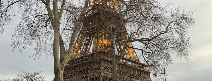 Marché de Noël de la Tour Eiffel is one of Noël Paris.