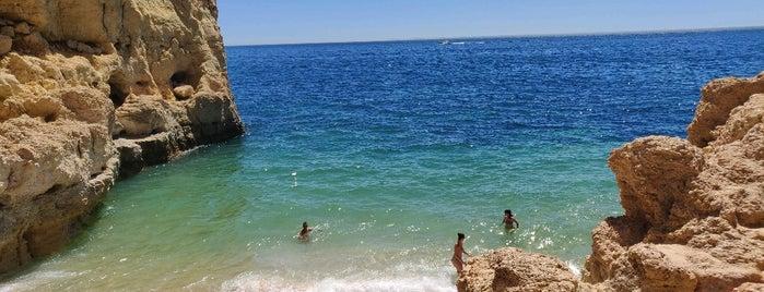 Praia de Vale Centianes is one of สถานที่ที่บันทึกไว้ของ Tânia.