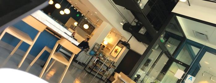 Capital One Café is one of Lara'nın Beğendiği Mekanlar.
