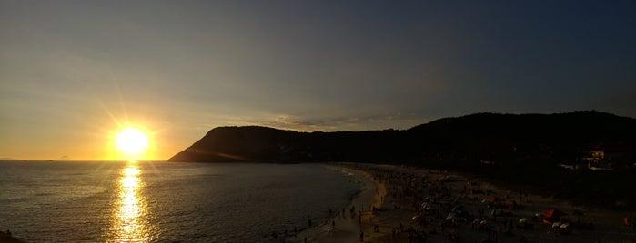 Praia de Itacoatiara is one of สถานที่ที่ Luiz Cláudio ถูกใจ.