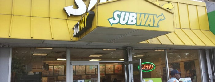 Subway Restaurant is one of Lugares favoritos de Jason.