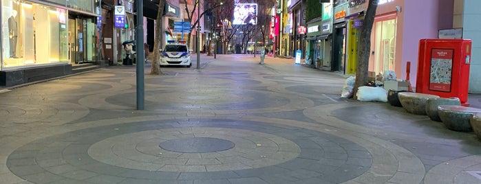 Myeong-dong is one of Gespeicherte Orte von Mark.