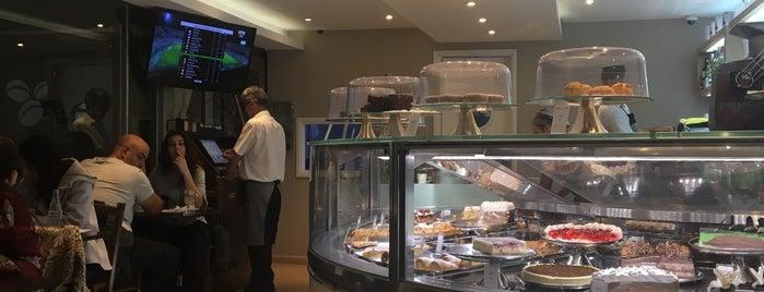 Pecas Helados Cafe is one of Orte, die Alison gefallen.