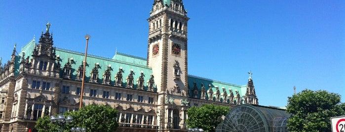 Hamburger Rathaus is one of Hamburg, otros.